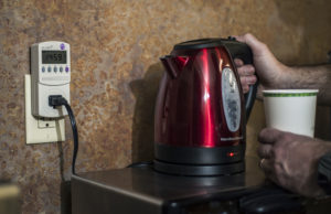 a electric kettle and a power usage meter
